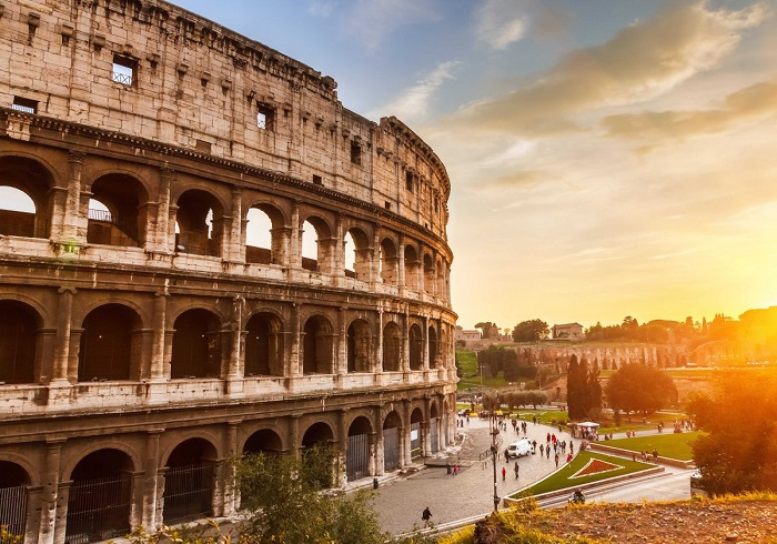 Beautiful photos/Nature - Page 3 Explore-the-ruins-of-romes-stately-colosseum-and-imagine-the-gladiator-fights-that-once-packed-the-arena