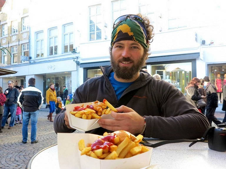 i-spent-christmas-day-in-belgium-enjoying-some-friet--french-fries-they-fry-the-potatoes-twice-resulting-in-a-seriously-delicious-potato