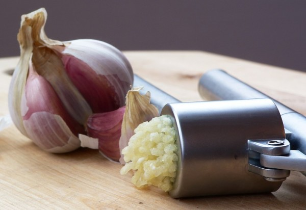 How to Use Garlic As a Medicine