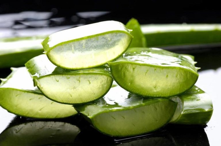 How to Use Aloe Vera in These 8 Surprising Yet Amazing Ways