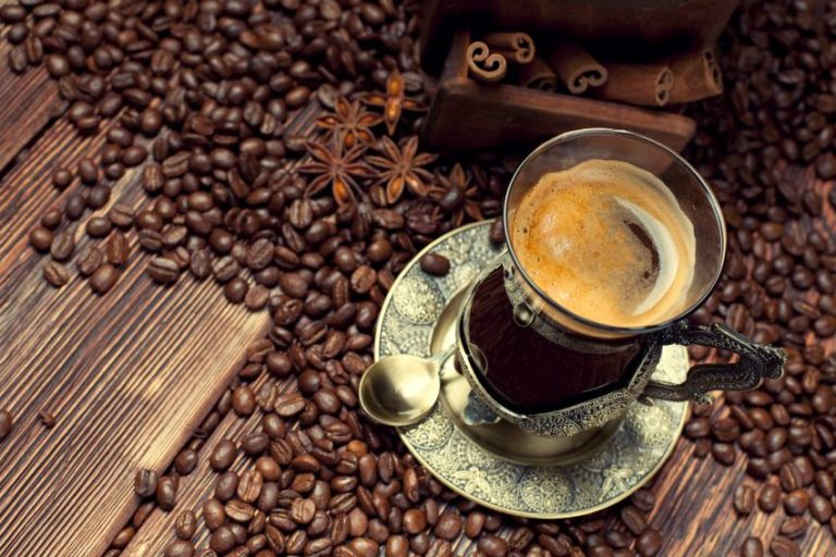 Read more about the article Why You Should Never Drink Your Coffee Before 9 A.M. Again