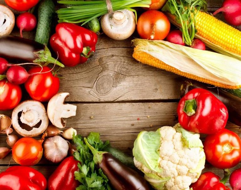 Read more about the article 10 Foods to Balance and Restore Your Gut