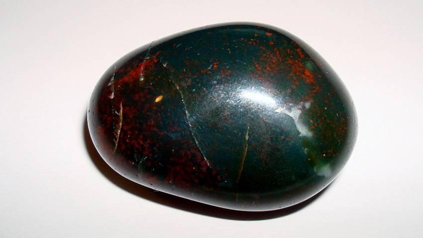 healing crystals Bloodstone Lifeadvancer