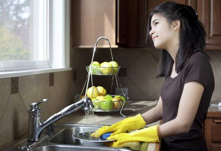 Study Reveals Dish Washing Boosts Your Inspiration, Reduces Nervousness and Prevents Depression