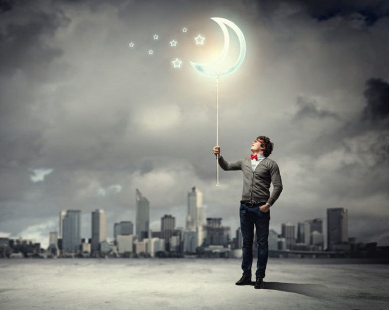 Read more about the article 8 Bad Reasons Why People Let Go Of Their Dreams