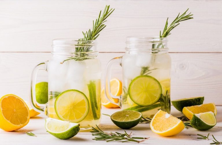 Read more about the article How to Make a Non-Toxic Mason Jar Repellent to Keep Bugs Away This Summer