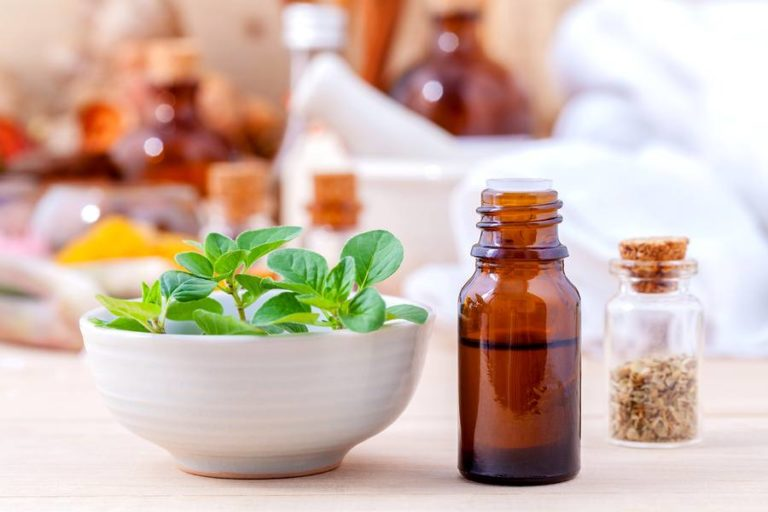 5 Reasons Why Oregano Essential Oil Is One of the Most Powerful Natural Medicines