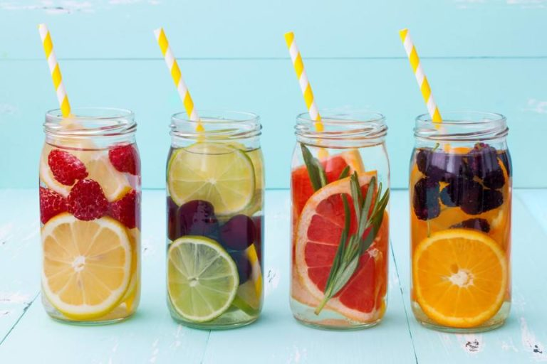 Flavored Water Recipes: Natural, Healthy and Flavored Ways to Quench Your Thirst
