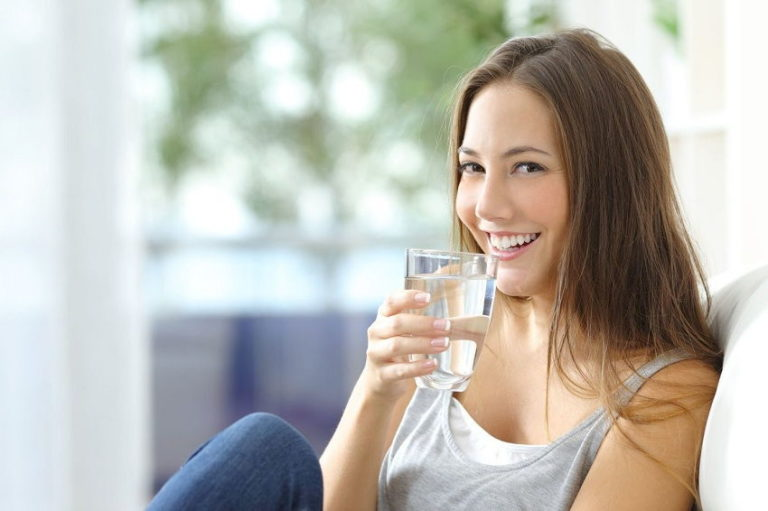 Read more about the article 4 Reasons Why You Should Be Drinking Warm Water Every Morning