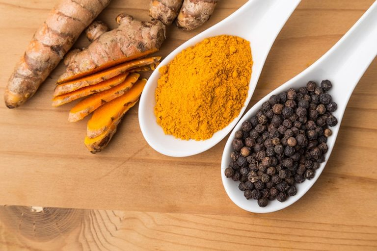 Turmeric and Pepper: a Powerful Combination That Treats Many Chronic Ailments