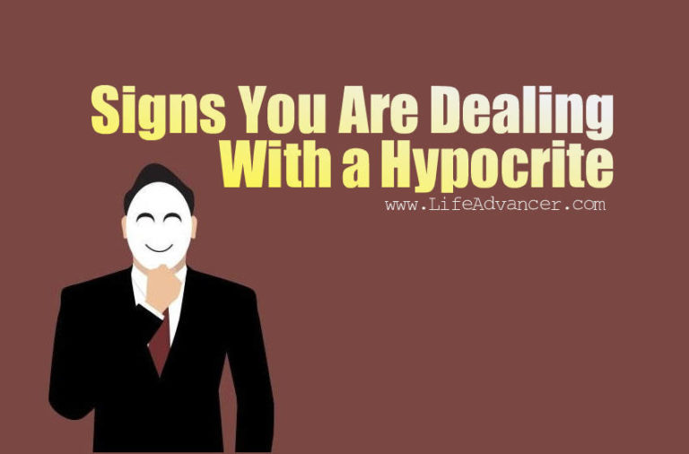 4 Signs You Are Dealing With a Hypocrite
