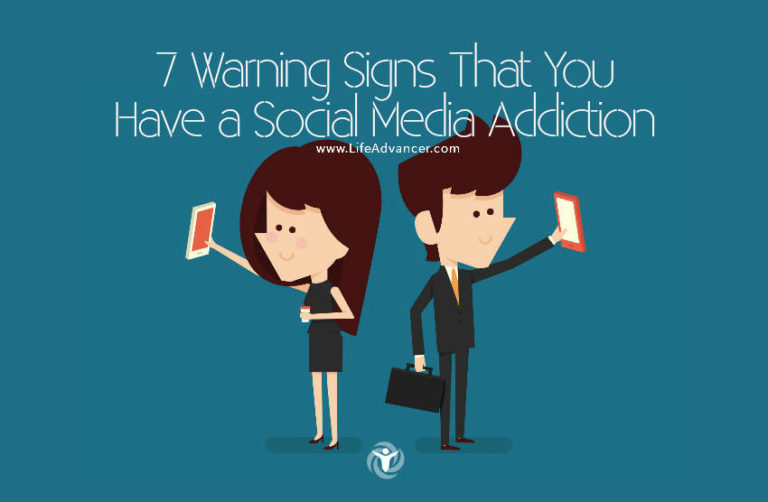 7 Warning Signs That You Have a Social Media Addiction