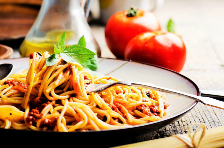 Read more about the article How to Make 14 Classic Pasta Sauces the Way Italians Do