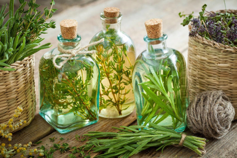 5 Essential Oils for Pain Relief, Headaches and Achy Joints