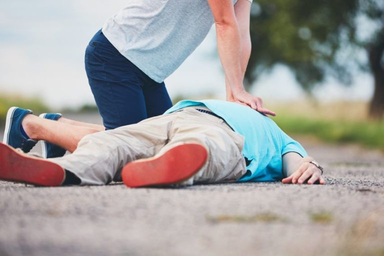 7 Steps to CPR Procedure That Could Save Someone's Life