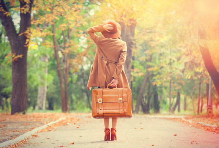 14 Ways Women Traveling Alone Can Make Sure to Stay Safe