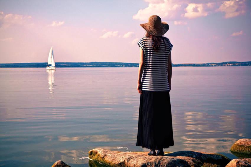 Women traveling Solo Safe travel methods