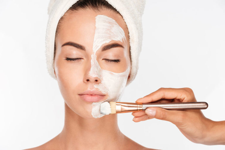 How to Use Baking Soda for Face Care: 8 Uses and Remedies