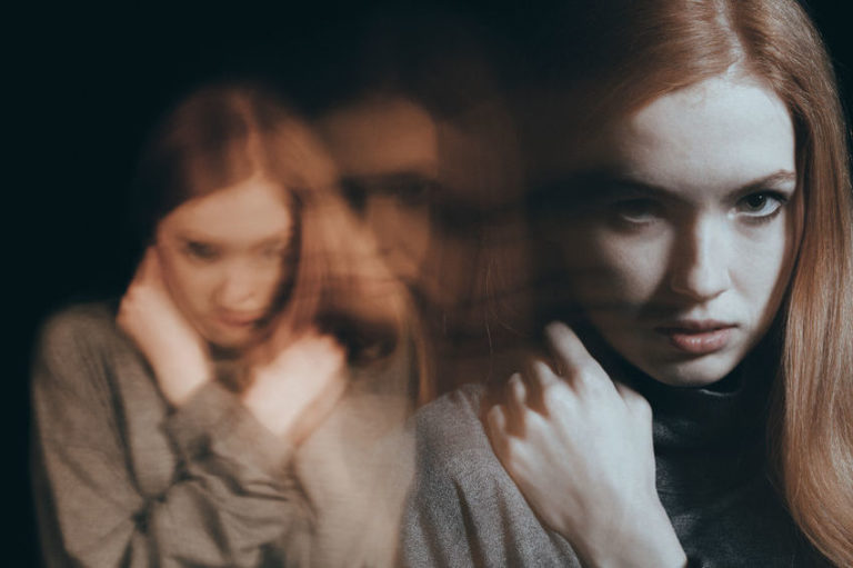 9 Early Signs of Bipolar Disorder in Teens and Young Adults