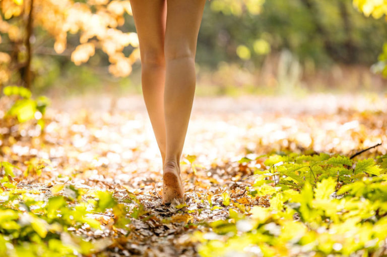 Remarkable Earthing Benefits for Body and Mind Revealed by Eye-Opening Research