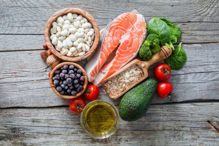8 Foods That Lower Blood Pressure to Include in Your Diet