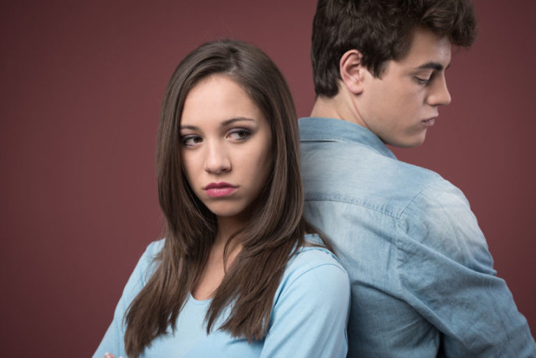 Read more about the article 5 Signs of a Power Imbalance in Your Relationship & What to Do