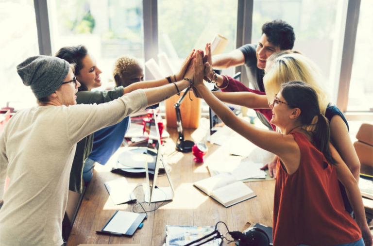 7 Team Building Activities to Deepen Your Bond with Co-Workers
