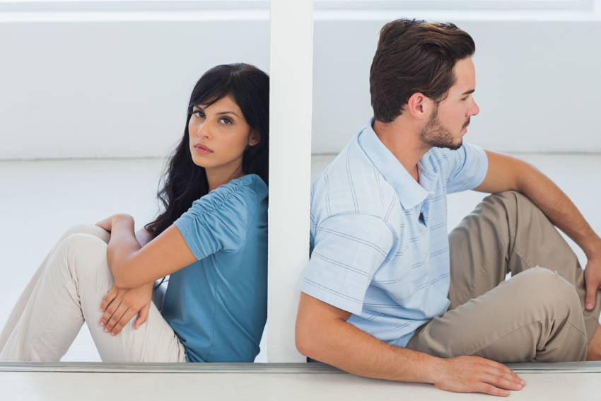 8 Signs of a One-Sided Relationship Are You in One
