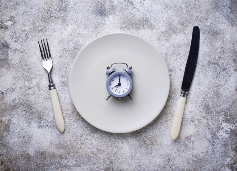 5 Health Benefits of Intermittent Fasting & How to Practice It