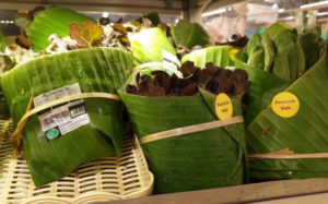 banana-leaf-packaging-asian-supermarkets-2