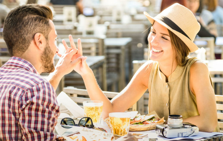 4 Deep & Interesting Things to Talk about on a First Date